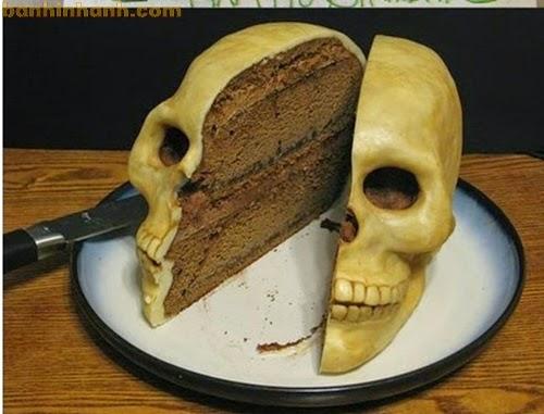 Những chiếc bánh sinh nhật hài VL, đầu nâu xương chéo