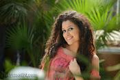 Soumya Sukumar in Pora pove-thumbnail-2