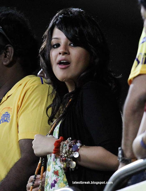 Sakshi Dhoni Wife of MS Dhoni in IPL   Photographs  Sonakshi supporting Chennai Super Kings Photoshoot images