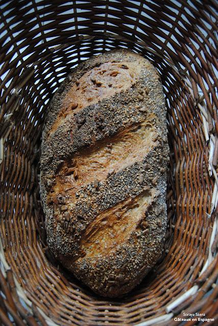 pain maison recette blanc epices facile fabriquer fabrication levain sesame tournesol coquelicot