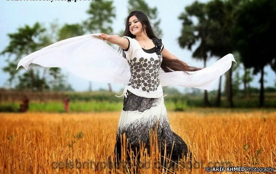Bangladeshi+Super+Hot+And+Cute+Model+Pori+Moni's+HD+Photos019