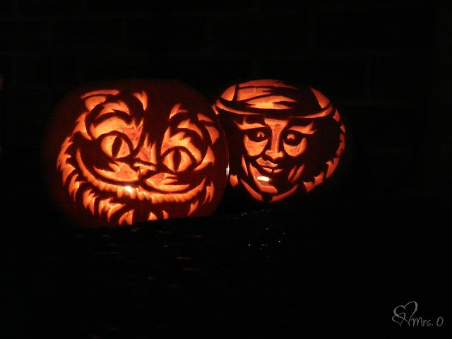 Carving a Halloween Pumpkin | The Purple Pumpkin Blog