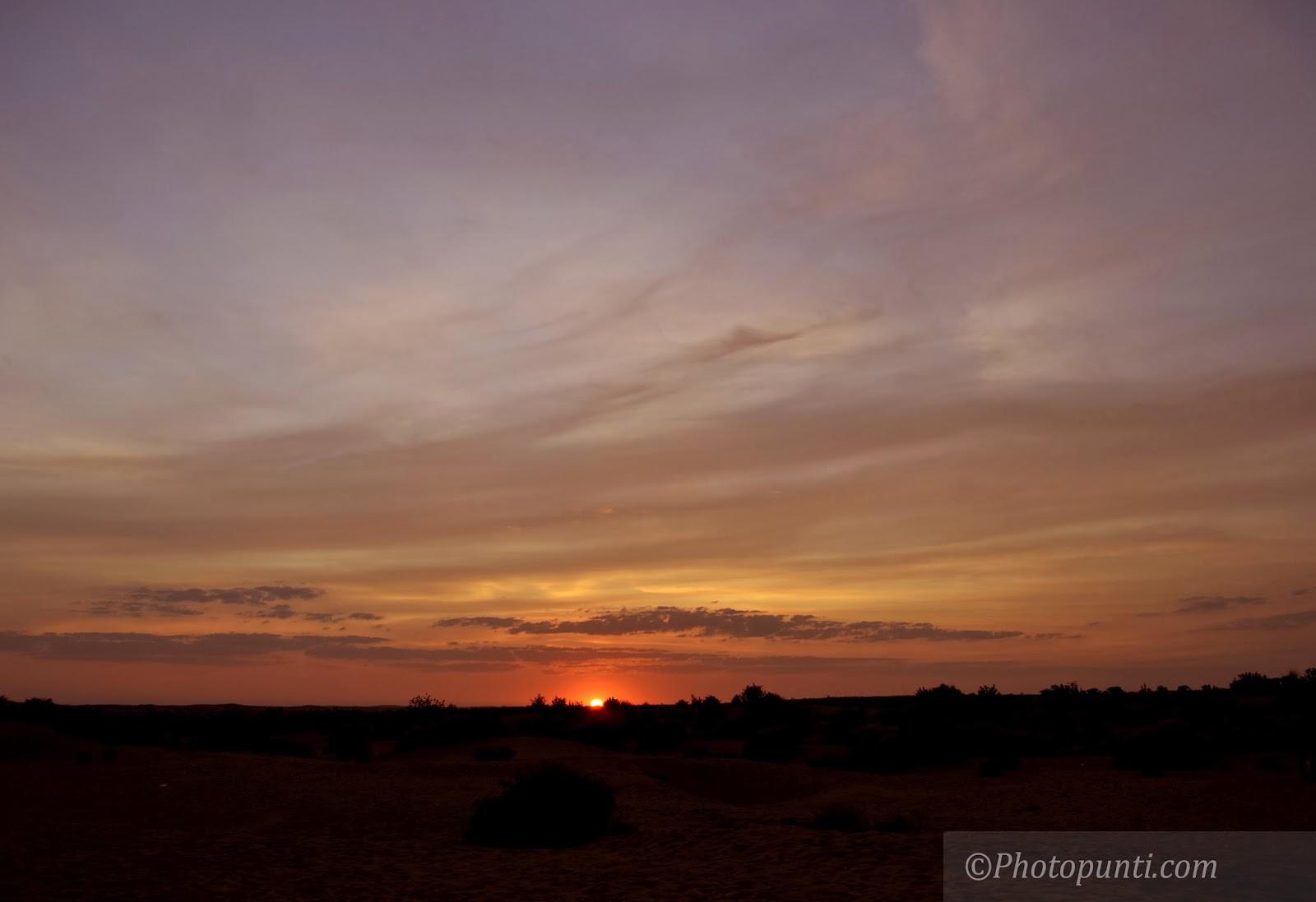 http://www.photopunti.com/2014/02/desert-sunset.html