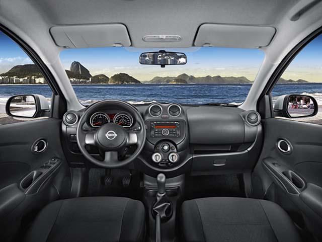 Nissan Versa 2013 - interior
