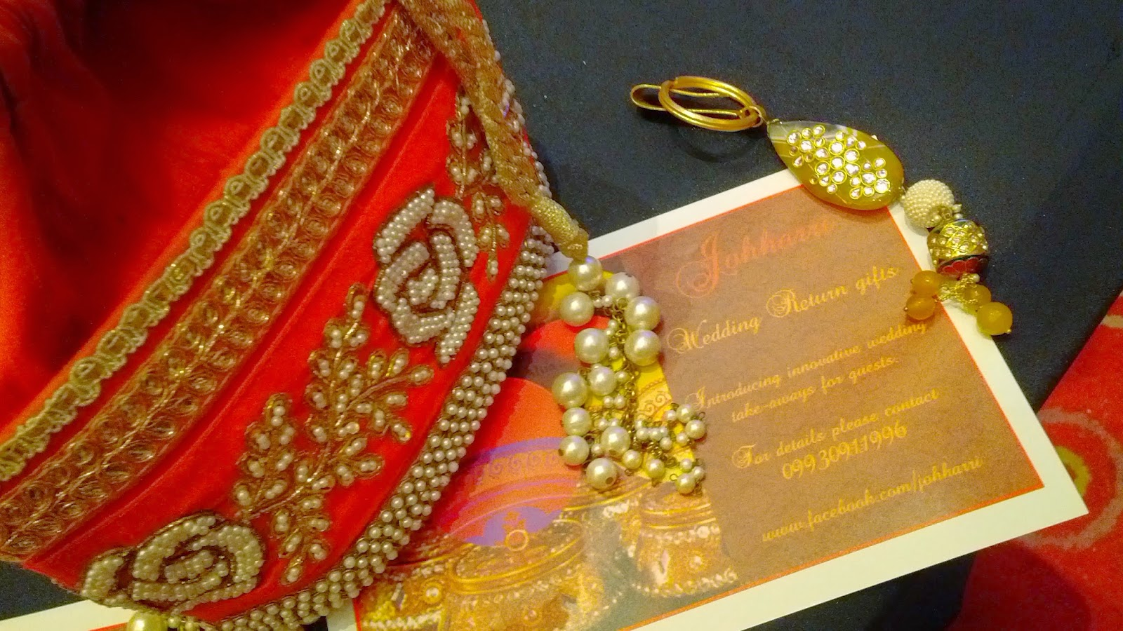 Wedding Gift Bags Mumbai : The counter for wedding gifts for guests..some wonderful designs. Is ...