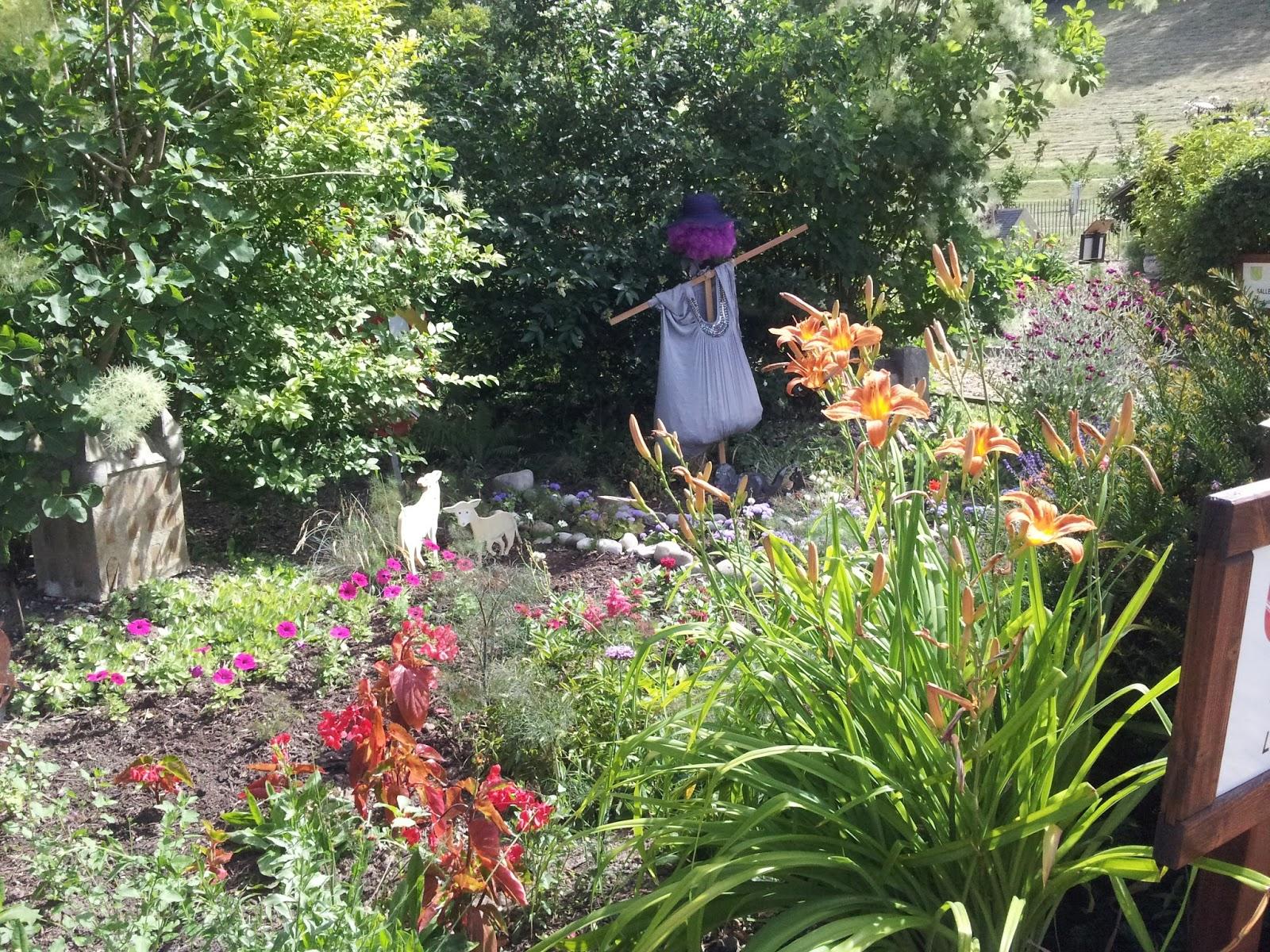Les petites croix de haute savoie les jardins de haute savoie for Entretien jardin haute savoie