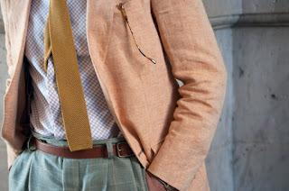 Jak nosić dzianinowy krawat