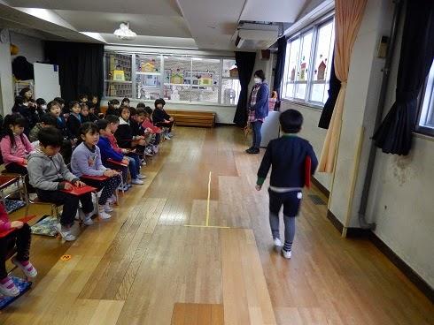 高木幼稚園の生活 高木幼稚園の生活: 卒園式の練習   卒園式の練習