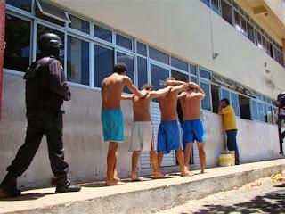 Presos iniciam rebelião no CDP de Santa Cruz na tarde desta quinta-feira (19)
