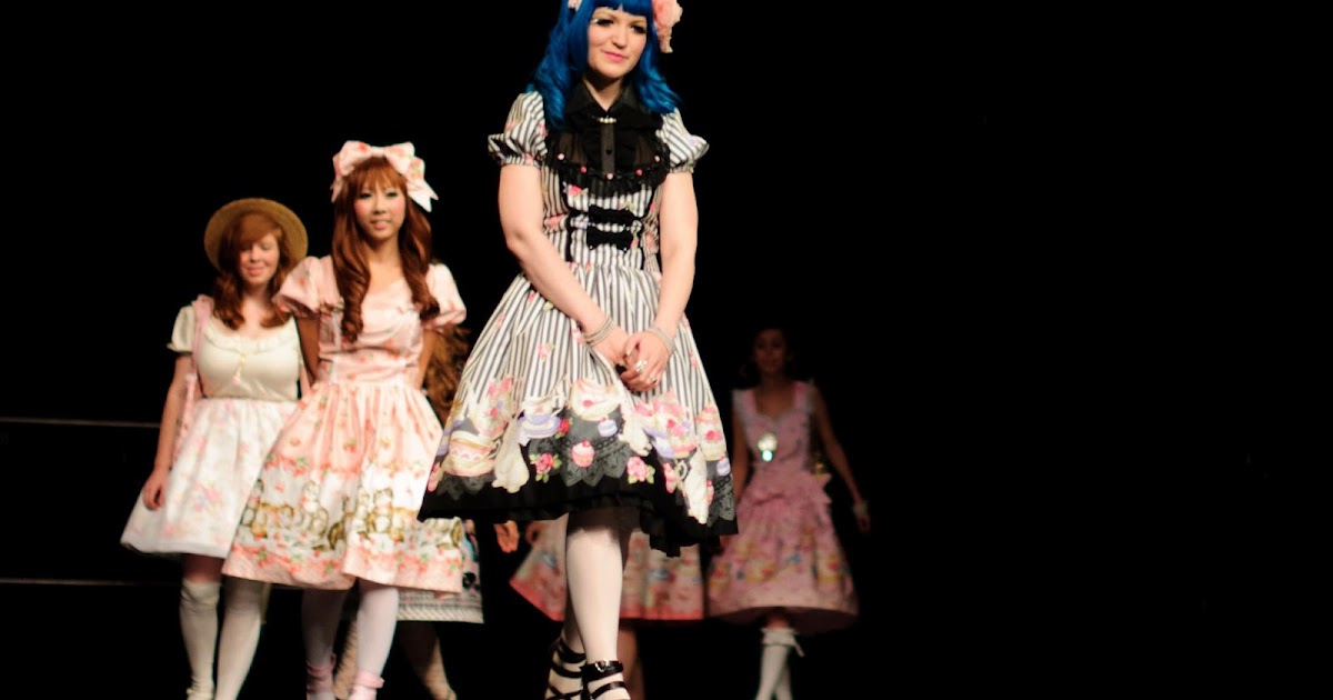 otakon lolita fashion show looks