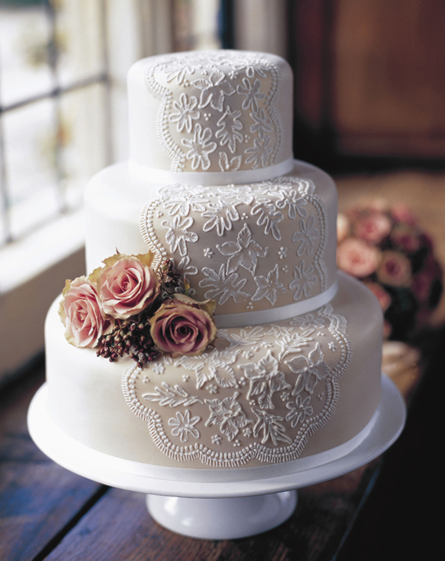 Wedding Trends} : Lace Cakes - Part 2 - Belle the Magazine . The