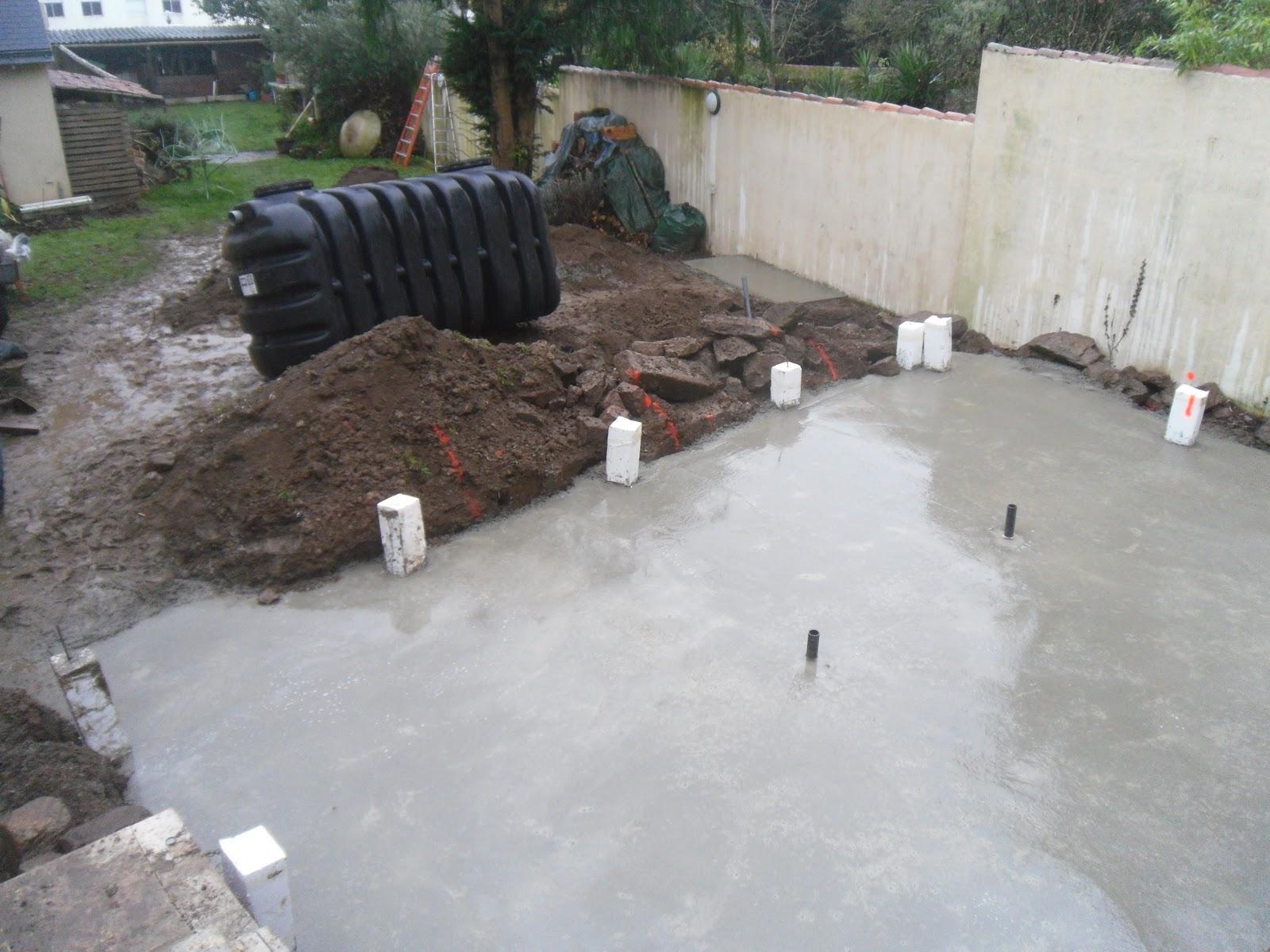 Bac tampon construction d 39 une piscine miroir bois for Piscine miroir technique de construction