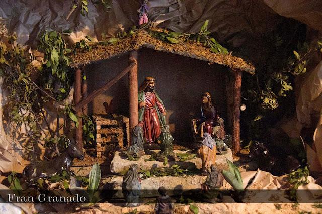 http://franciscogranadopatero35.blogspot.com/2013/12/fotografias-portal-de-belen-hermandad_6.html