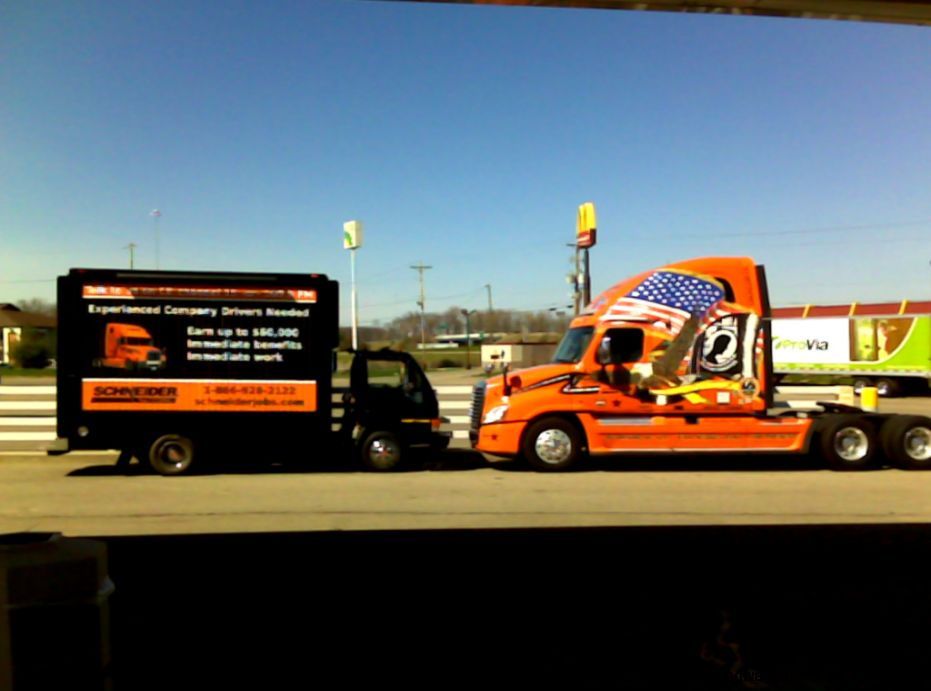 Schneider National Truck