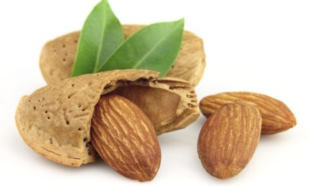 almonds iron