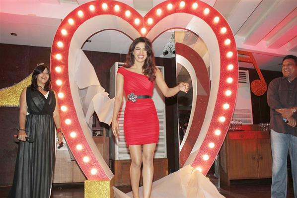 http://3.bp.blogspot.com/-IaFrWGhH5TY/UUgXls98XgI/AAAAAAABXD0/G4Q9xCMVHHw/s1600/Celebs+Priyanka+Chopra,+Ekta+Kapoor+and+Others+Were+Present+in+the+Event+Held+at+Escobar+(20).jpg
