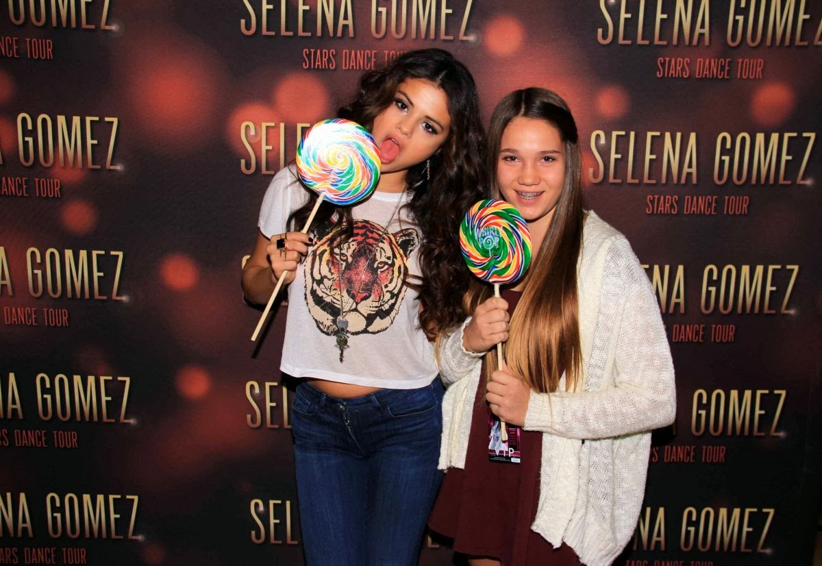 selena gomez meet and greet 2013 tumblr outfits