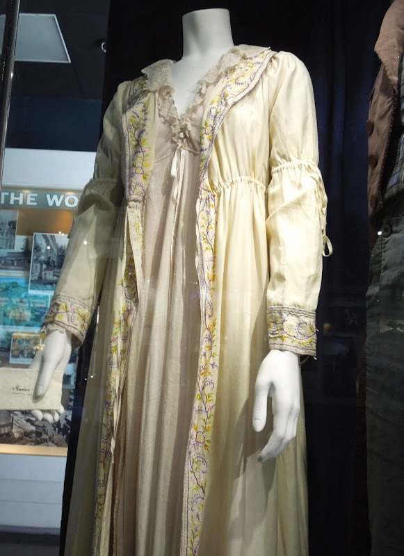 Amanda Seyfried Cosette Les Miserables film costume