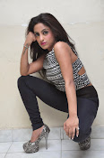 vriti khanna photos at calling bell success meet-thumbnail-5