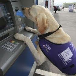 Byron al bancomat
