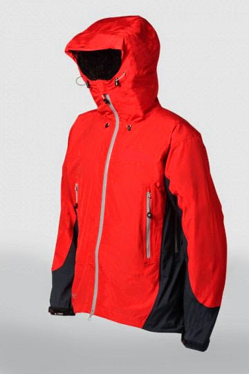 jaket gunung warna merah