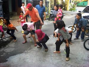 Lomba anak anak dalm rangka memperingati  hari kemerdekaan RI