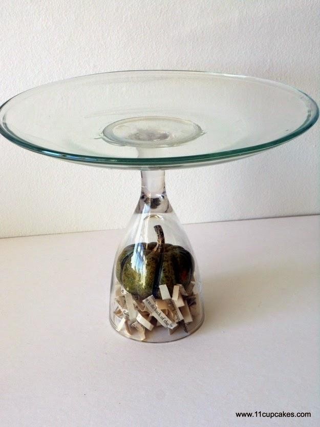 http://11cupcakes.com/2011/10/10/diy-cake-stand-2/