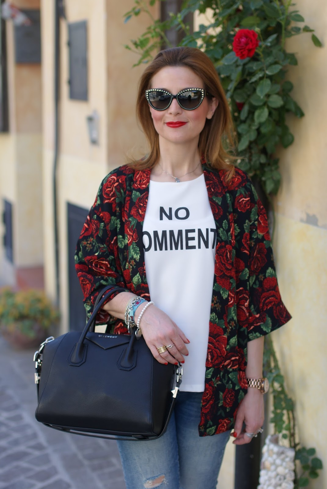 rose print kimono jacket, Givenchy Antigona bag and Moschino sunglasses on Fashion and Cookies fashion blog, fashion blogger style