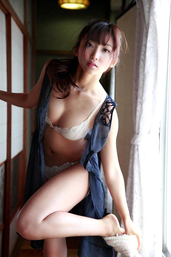 risa yoshiki sexy bikini photos 01