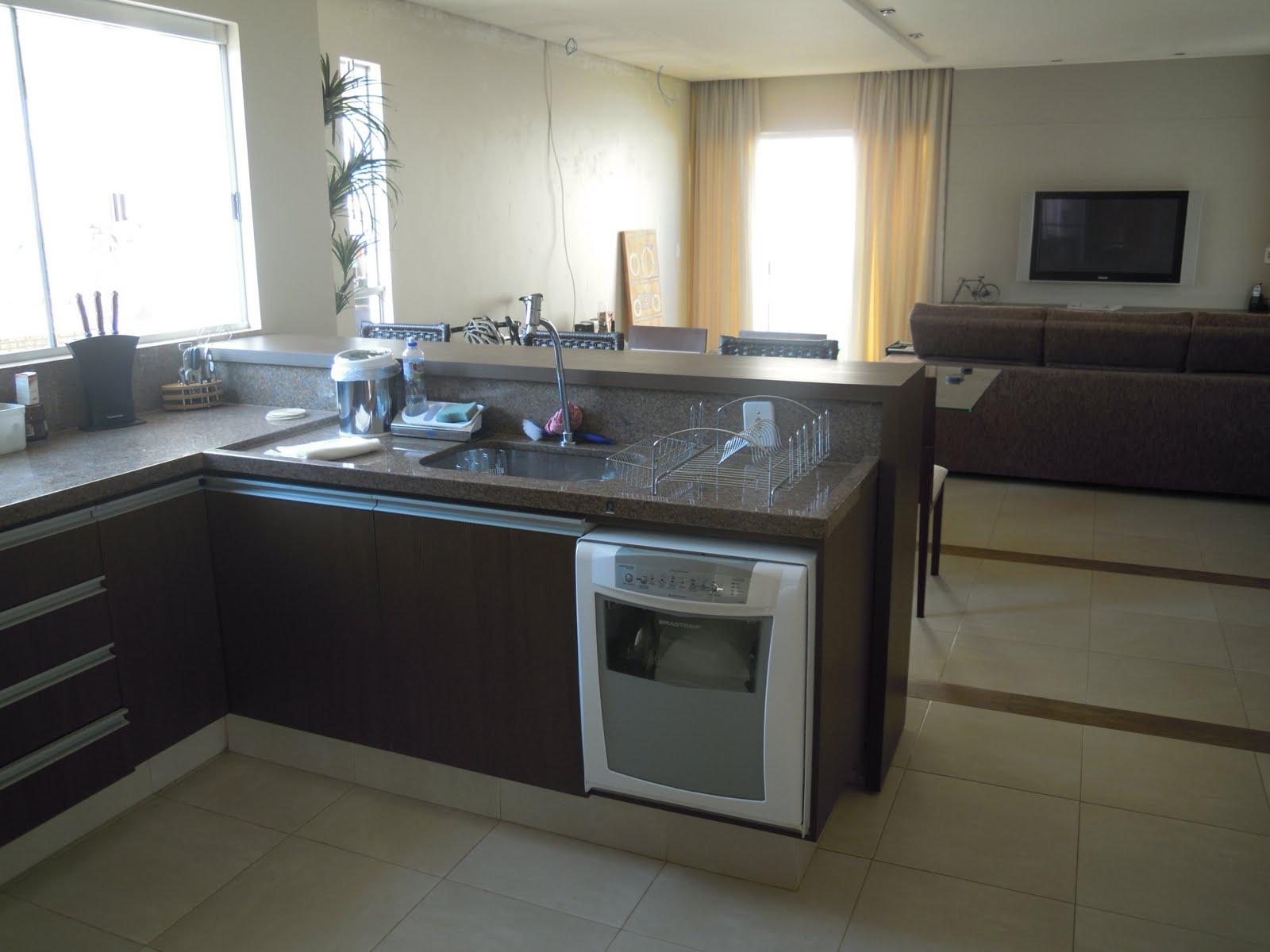 vista da cozinha para a sala local para instalação da máquina de  #826D49 1600 1200