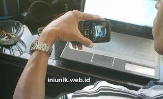 Download Video Mesum SMK Musadadyah Garut Jawa Barat di Wisata Situ Cibeureum Samarang - www.iniunik.web.id