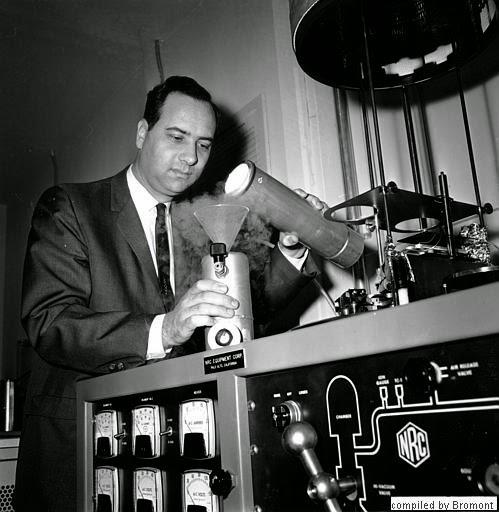 Resultado de imagen para el primer rayo laser