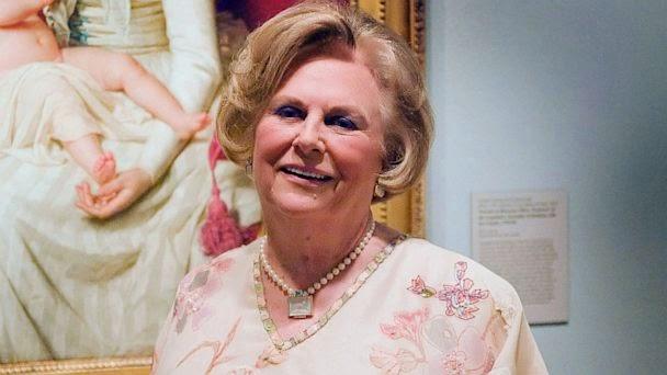 "<img src=""http://3.bp.blogspot.com/-Ibxigo9u9ZA/U5yjYRF5tUI/AAAAAAAAAPU/39SgnUzBeGg/s1600/Jacqueline_Mars.jpg"" alt=""Richest Woman in the World"" />"