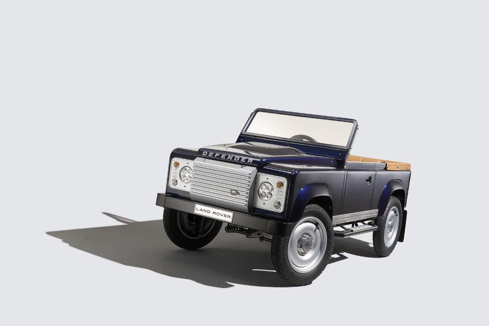 porelpiano land rover defender pedal car concept. Black Bedroom Furniture Sets. Home Design Ideas