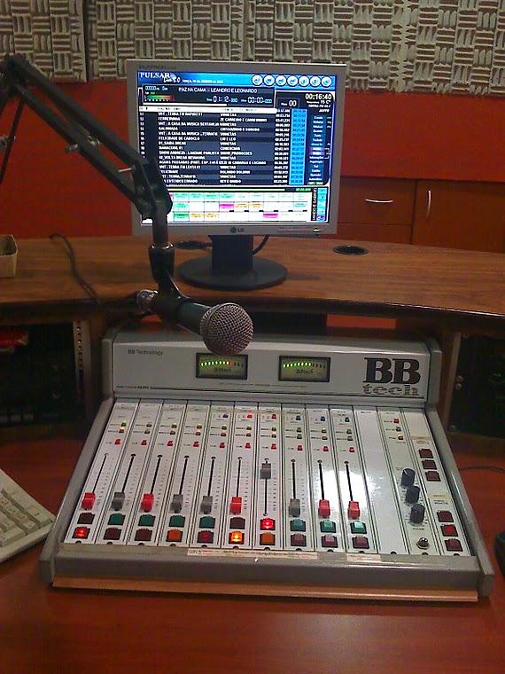 ESTUDIO DA   RADIO A LUZ
