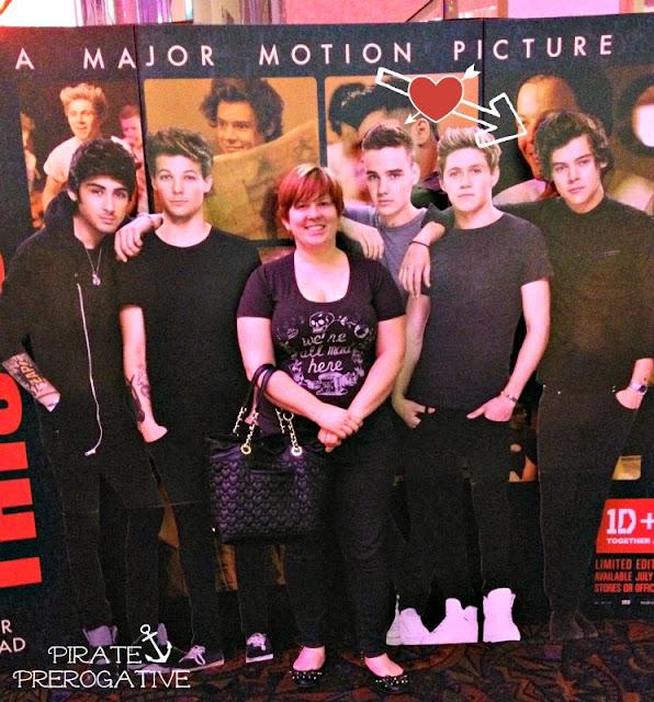 Posing with One Direction via PiratePrerogative.com
