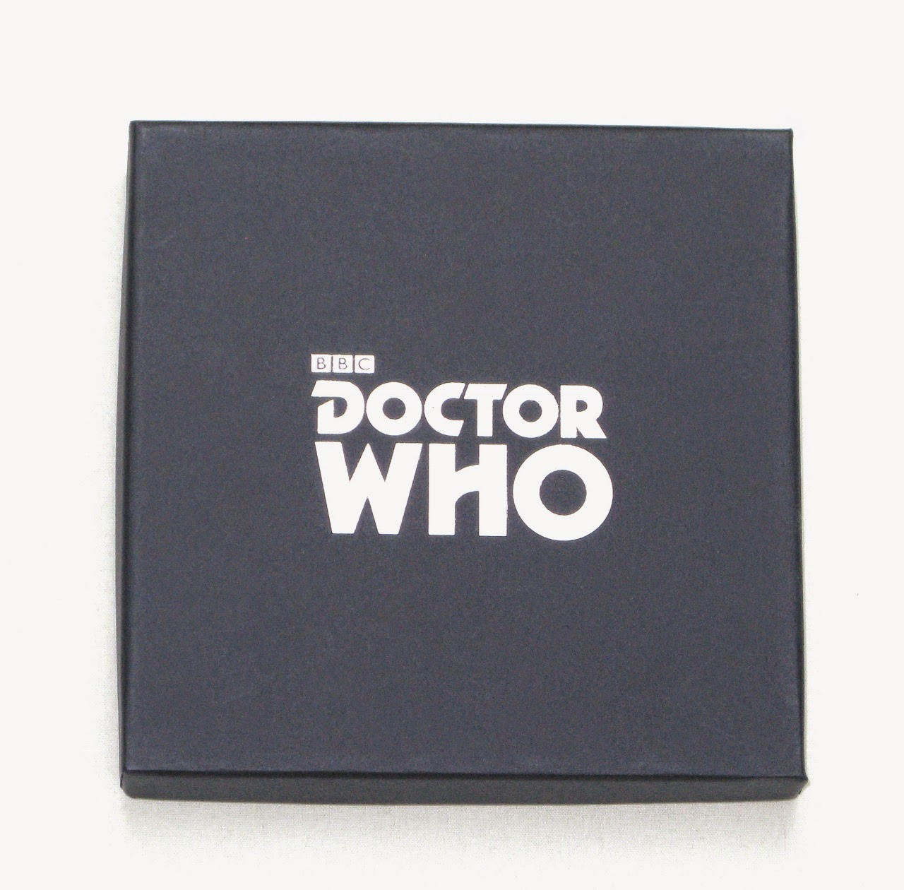 http://track.webgains.com/click.html?wgcampaignid=135799&wgprogramid=6721&wgtarget=http://www.lovarzi.co.uk/TARDIS-Scarf-Official-Doctor-LOVARZI/dp/B00P1S5UFG