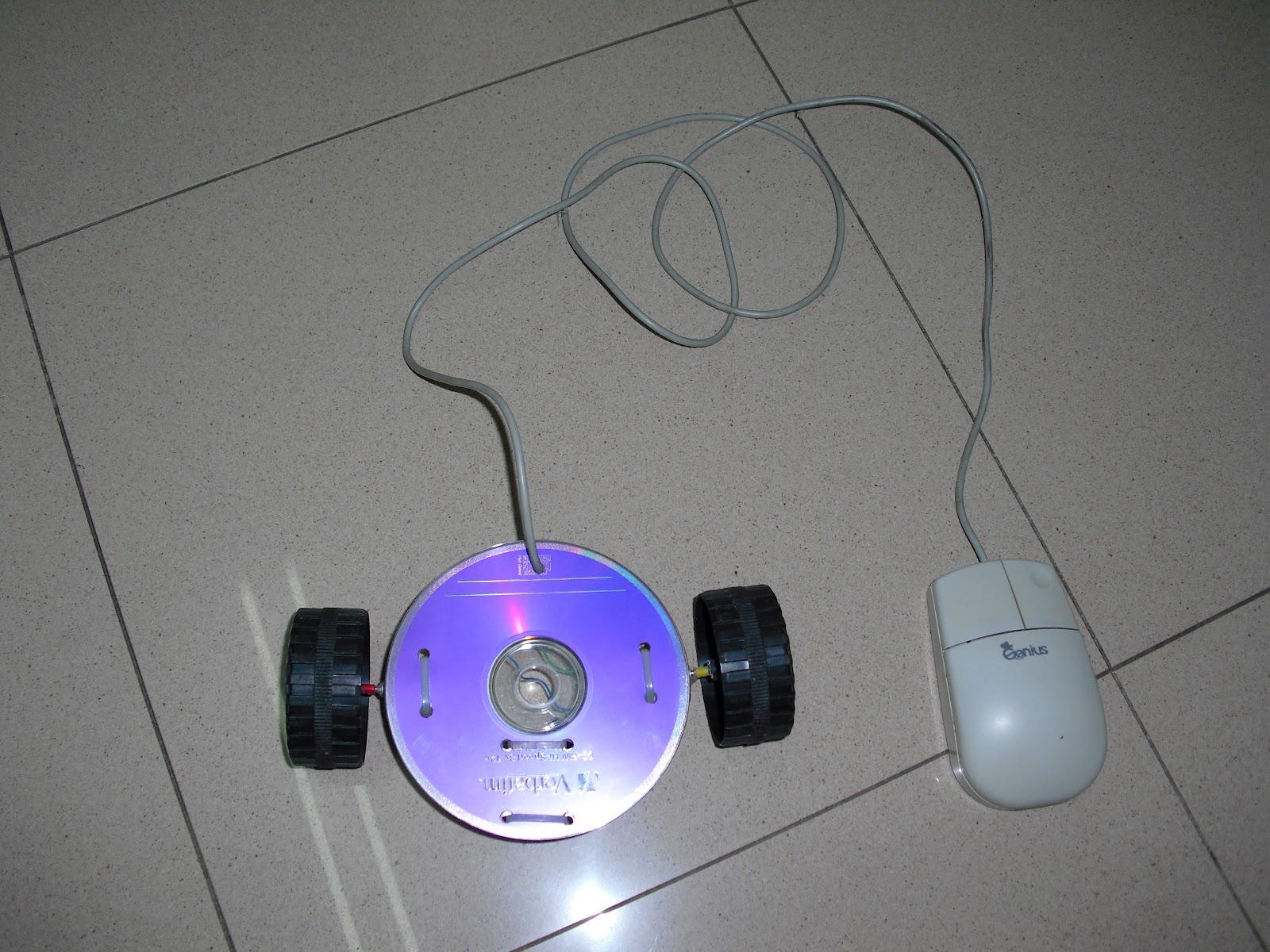 na secundaria: Reciclar materiales: Proyecto autóvil con CD y ratón