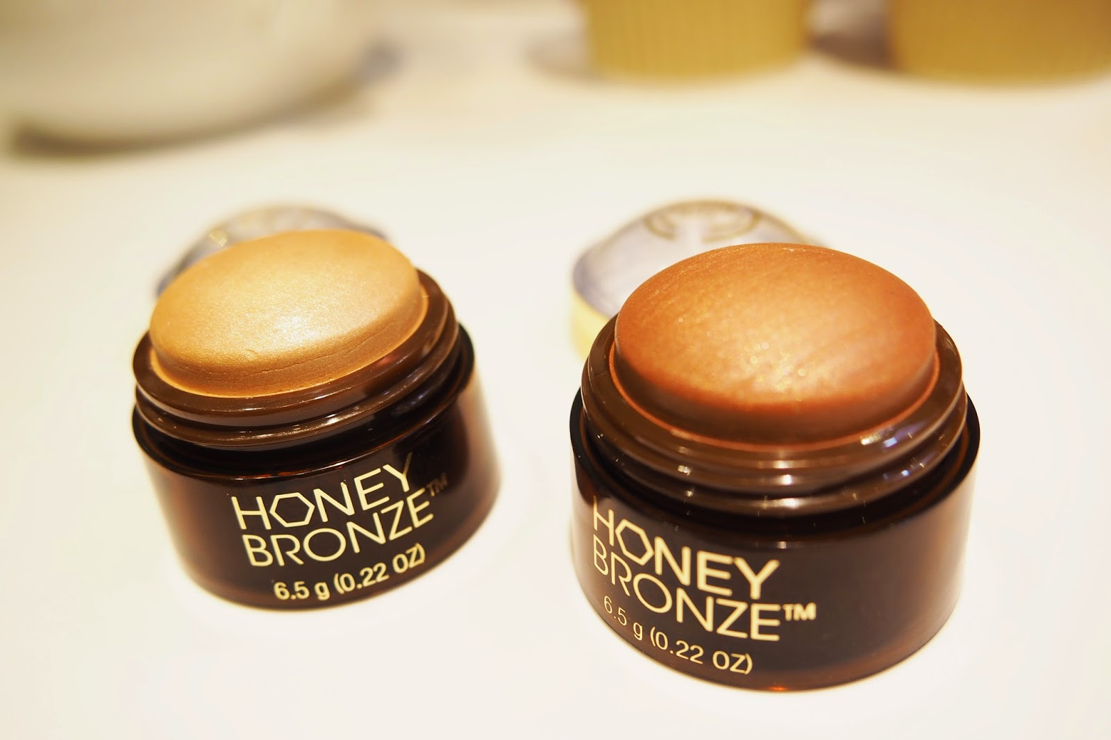 The Body Shop Honey Bronze Bronzer Highlight Make Up