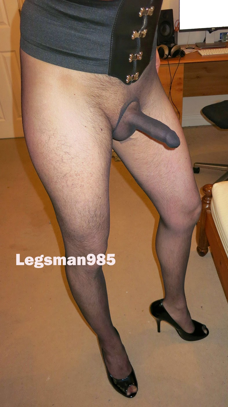 2 men in pantyhose