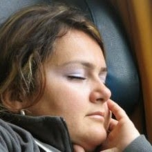 Akibat Kebiasaan Mengerat Gigi Saat Tidur
