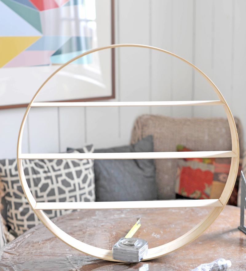 DIY Circle Wood Shelf Tutorial