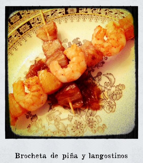 Rutty en la cocina brochetas de pi a con langostinos - Brocheta de langostinos y bacon ...