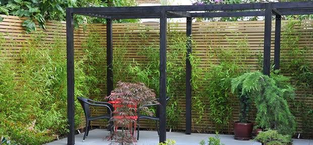 Flores e jardins plantas jardinagem e paisagismo - Cerramientos de madera para jardin ...