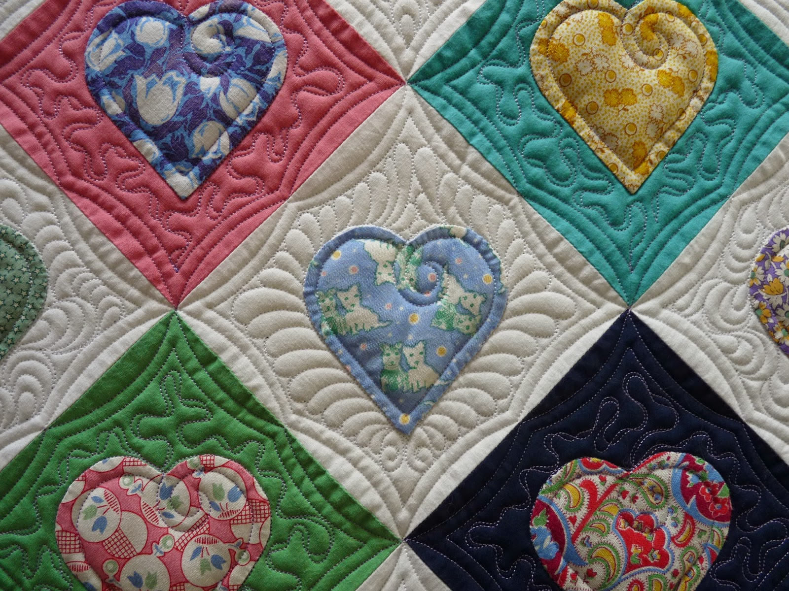 Sewing & Quilt Gallery: Quilt of Hearts : one color quilts - Adamdwight.com