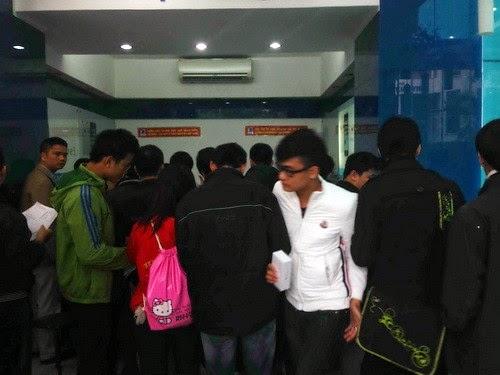 Mua sắm ảm đạm trong ngày ra mắt iPhone 6/6 Plus tại Việt Nam