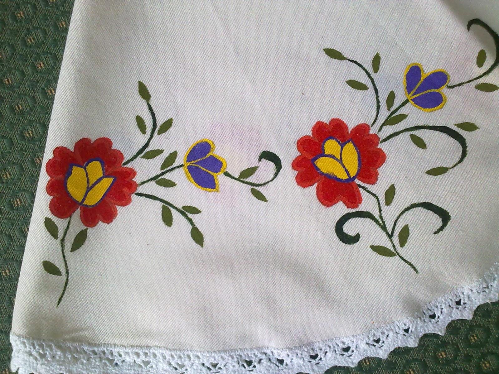 Labores de chelo manteles pintados a mano for Manteles de tela