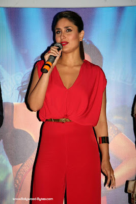 Kareena Kapoor looks beautiful in red clothes at Heroine Movie Trailer launch