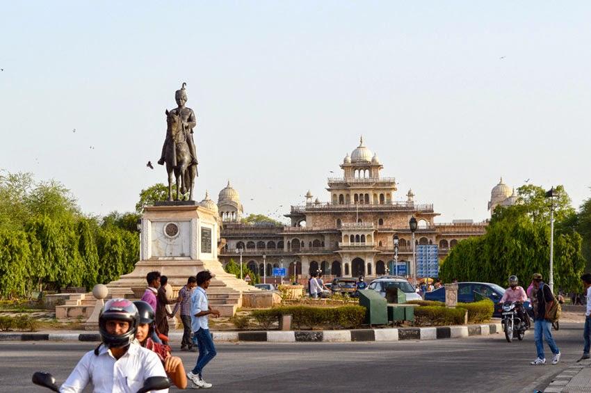Sawai Man Singh Statue