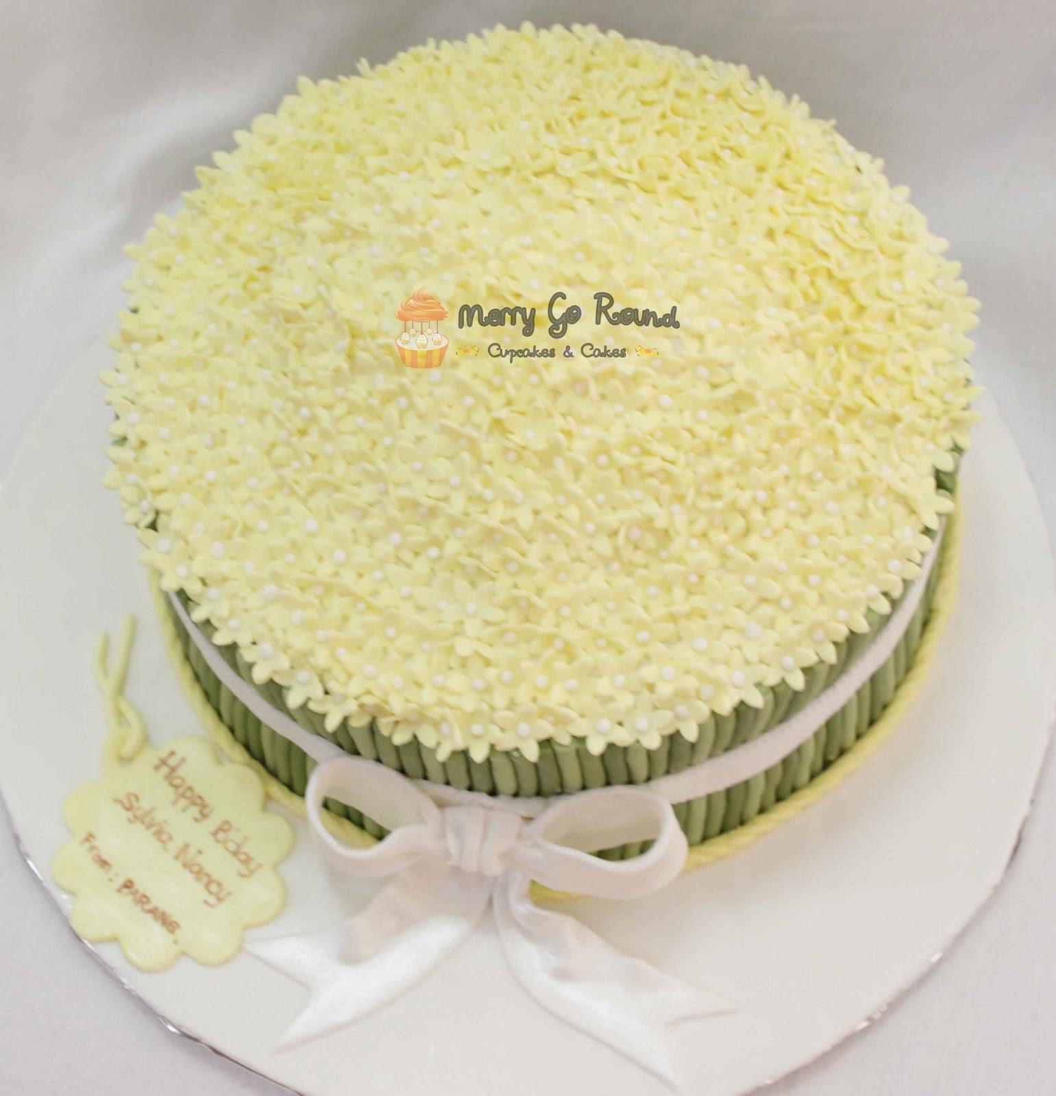 Merry go round cupcakes cakes a bouquet of flowers birthday cake a bouquet of flowers birthday cake so sweeeeettt izmirmasajfo